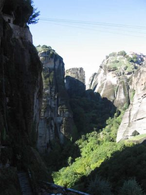 Hiking to Meteora Monasteries