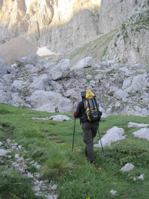 On the way to Astraka Hut